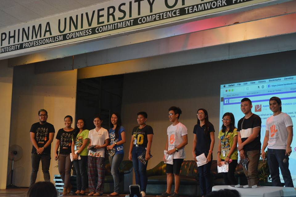 PLEDGES. Some students are recognized for posting online pledges against corruption using #NotOnMyWatch. Photo by Iloilo Mover Gem Rose Cavalida