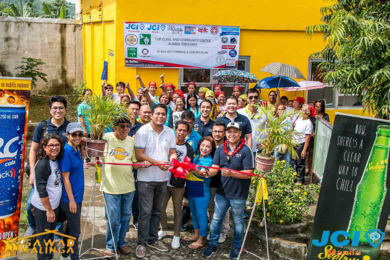 TOWERVILLE. JCI Manila and other partner groups help renovate one of the three medical facilities in Towerville, San Jose del Monte, Bulacan. Photo courtesy of Robin Garcia