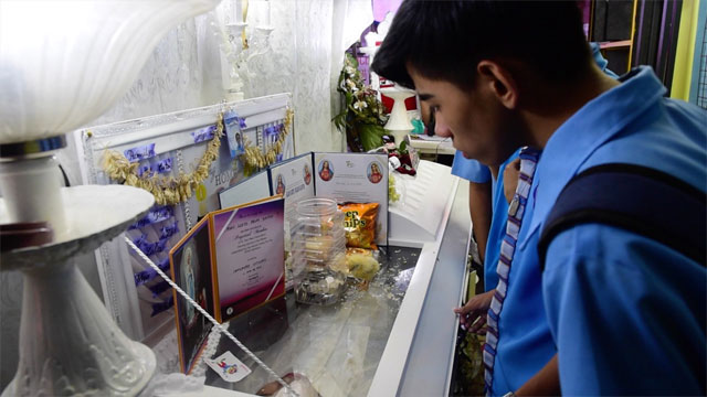 PAYING LAST RESPECT. Friends and family continue to seek justice for Kian after he was shot dead on August 16. Photos by Alecs Ongcal/Rappler