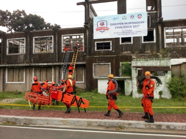 COLLAPSED STRUCTURE. In this scenario, responders deploy to rescue trapped individuals inside the Logistics Command building at Camp Aguinaldo, Quezon City. Photo by Lou Gepuela/Rappler