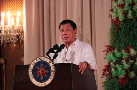 HONOR. President Duterte speaks at the PAFIOO awarding ceremony. Photo courtesy of the Commission on Filipino Overseas