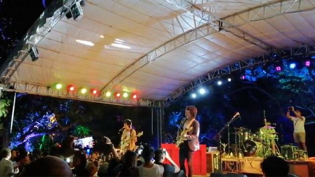 ISLAND VIBES. IV of Spades performs at the 2019 Malasimbo Festival. Rappler screenshot