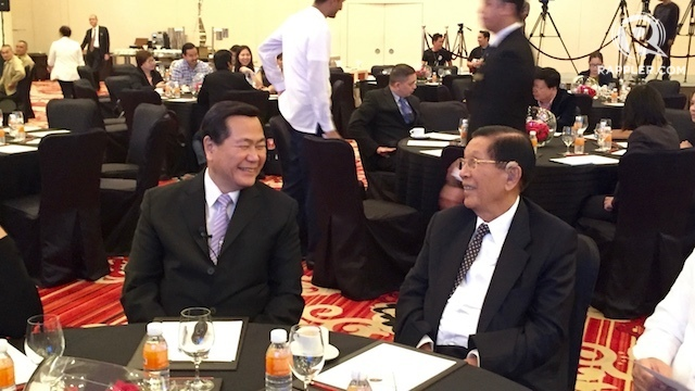 'NOT HELPLESS.' SC senior associate justice Antonio Carpio (left) says the Philippines won't be helpless in trying to enforce a possible favorable ruling in its maritime dispute with China. Photo by Katerina Francisco/Rappler