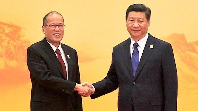 STRAINED RELATIONS. Philippine President Benigno Aquino III and Chinese President Xi Jinping during the 22nd APEC Leaders' Meeting in November 2014. Malacañang Photo