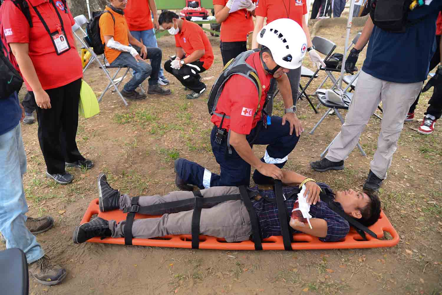 THE BIG ONE. Filipino volunteers at Intramuros participated in a nationwide Earthquake drill in 2015. File photo