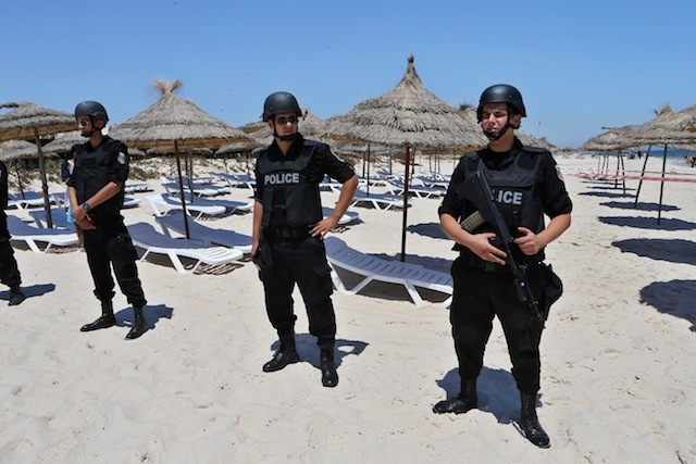 epa-20150703-tunisia-beach-attack-securi