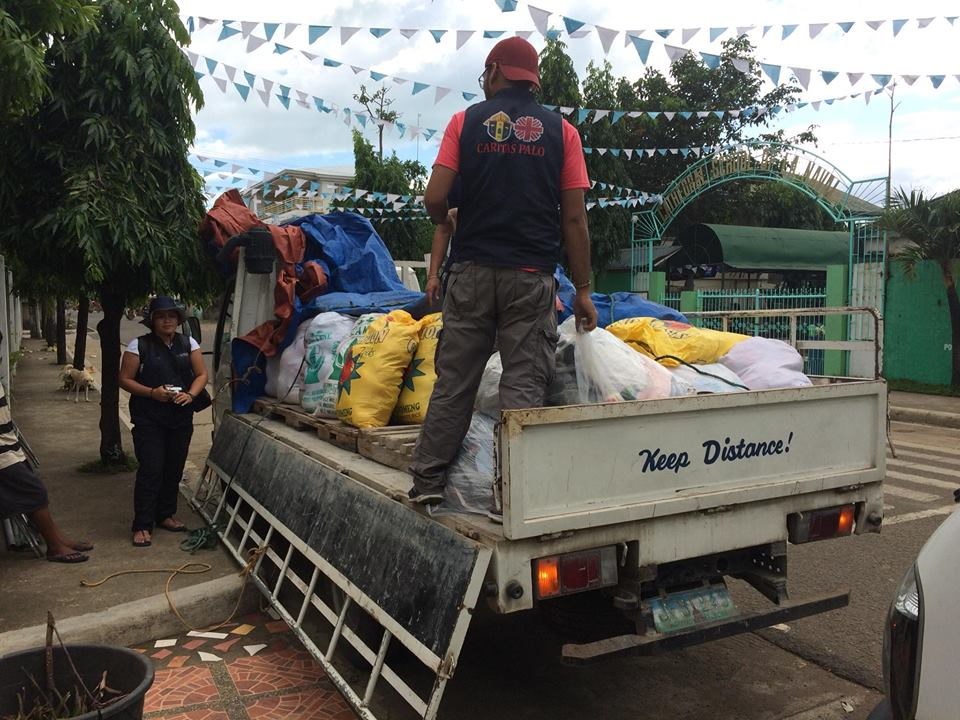 RELIEF GOODS. Caritas Palo, the humanitarian arm of the Archdiocese of Palo, delivers relief goods to Biliran province on December 20, 2017. Photo courtesy of Caritas Palo