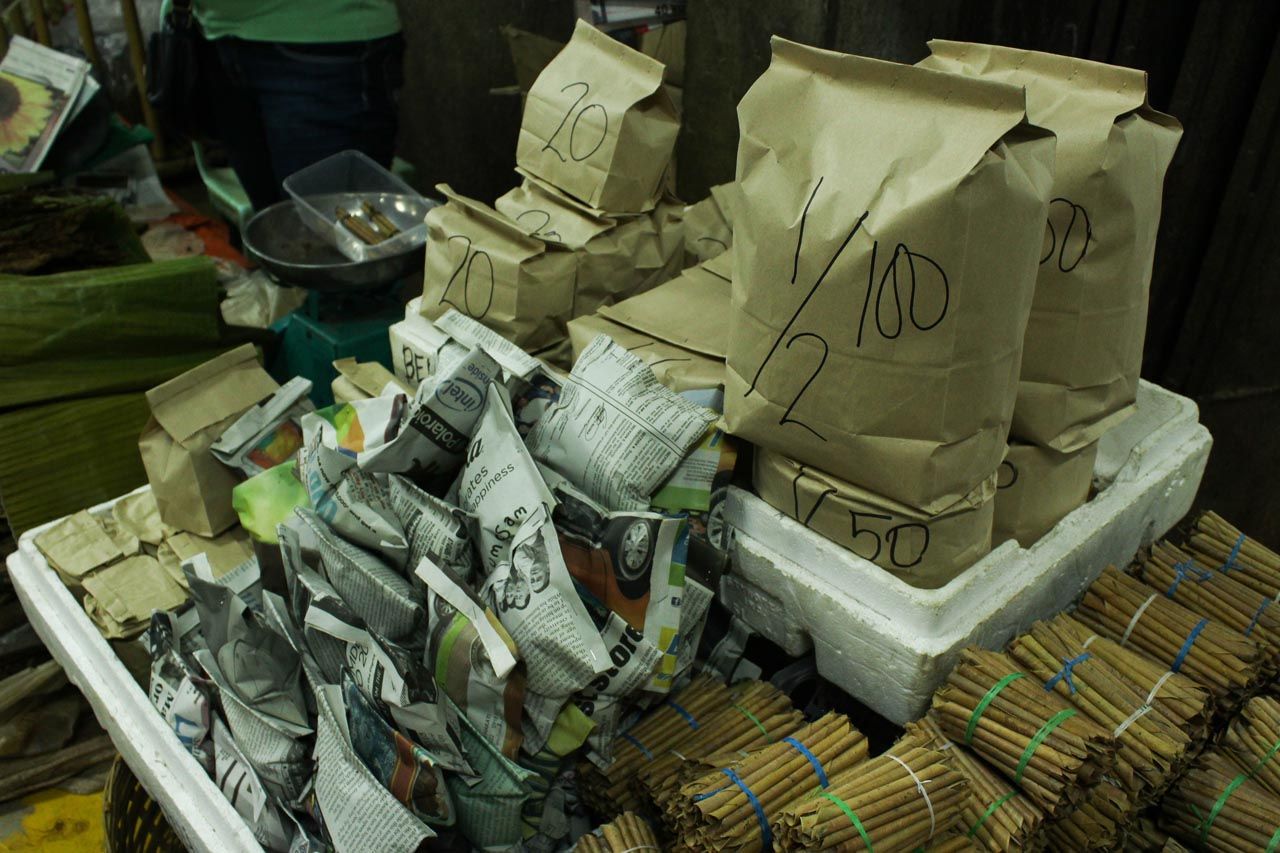 NO MORE PLASTICS. Tobaccos wrapped in paper material are sold by bulks.Photo by Claudia Gancayco
