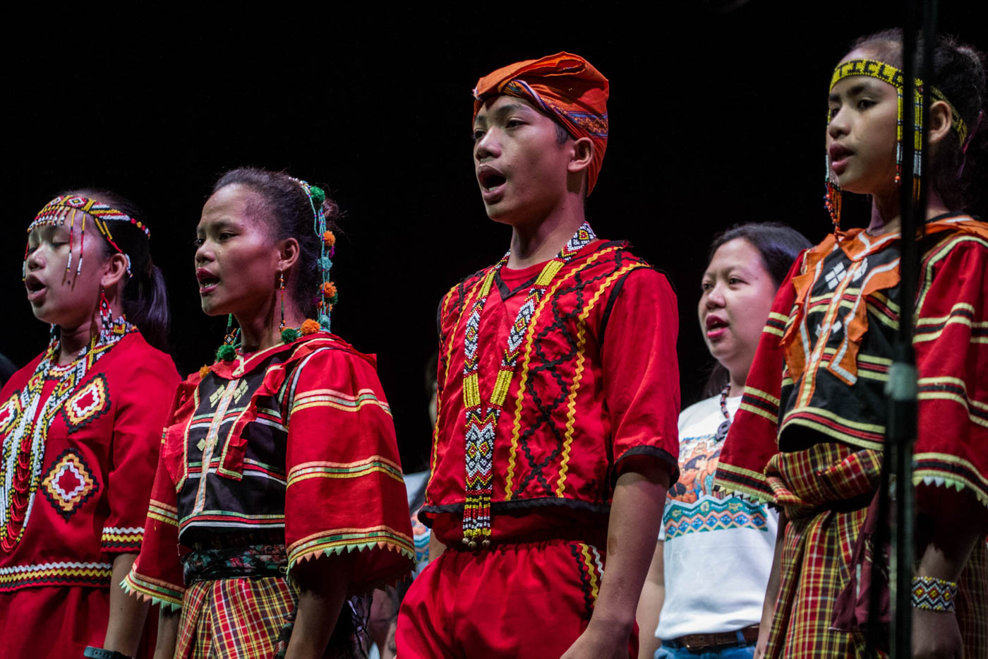 SONG FOR PEACE. The Sandugo chorale that is composed of singers from the Lumad, Moro, and rights activists in the cities. Photo by Mark Saludes