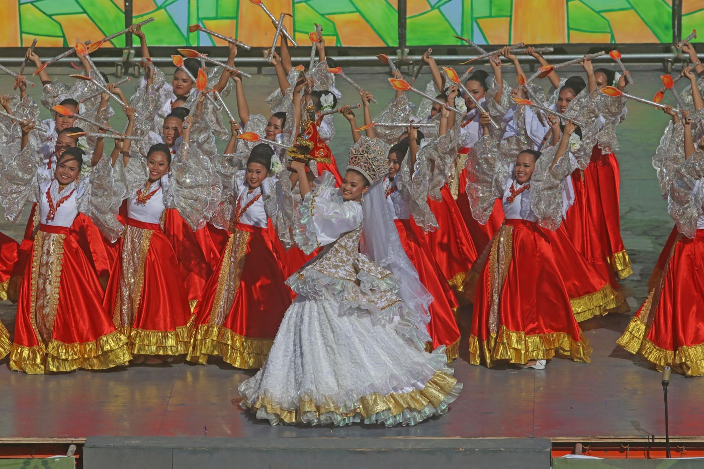 DANCE. Youth from different towns dance the Sinulog