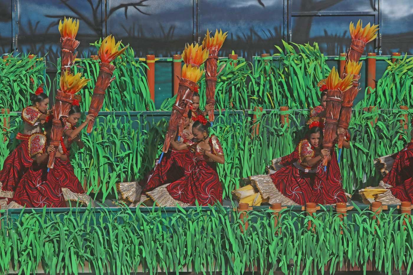 YOUTH. Dancers from Toledo City, Bogo City, Municipality of Ginatilan, Lapu Lapu City, and Talisay City join the Sinulog sa Kabataan sa Lalawigan 2020.