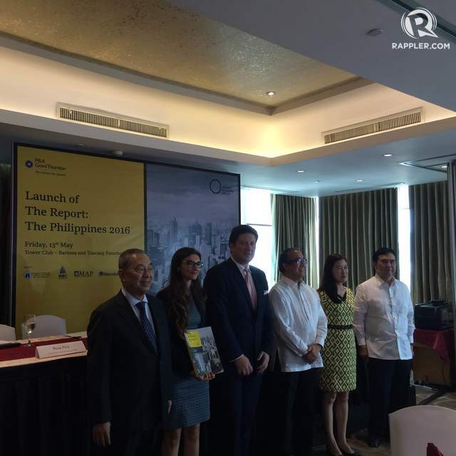FACILITATING INVESTMENT. Oxford Business Group officials and their partners pose at the launch of The Report: The Philippines 2016 on May 13.The report is meant to serve as a comprehensive guide to investors interested in setting up in the country. (from left) Guillermo Luchangco – Chairman/CEO, ICCP Group, Rosa Piro - OBG Country Director Philippines, Paulius Kuncinas, Francisco Sebastian, Atty. Lea Roque Head of Tax Advisory  Punongbayan & Araullo, and Crisanto Frianeza – Security General, Philippine Chamber of Commerce and Industry.