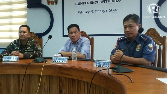 CAGAYAN CLASH. Interior Secretary Mel Senen Sarmiento (middle), and police and military officials hold a news briefing on the clash between rebels and police. Photo by Raymon Dullana/Rappler