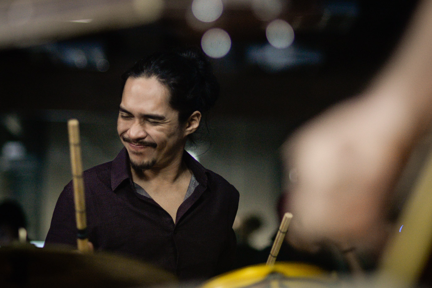 BRIAN VELASCO. The late drummer performs a set with Razorback on Rappler Live Jam in 2016. File photo by LeAnne Jazul/Rappler