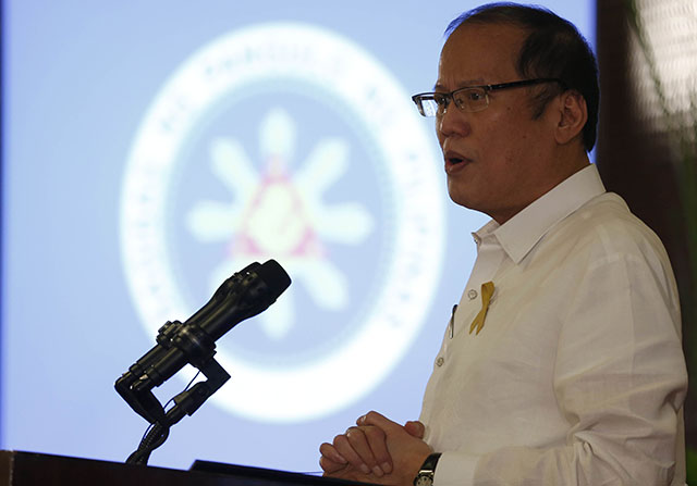 PUBLIC APOLOGY. The 'offensive show' at a Liberal Party event in Laguna merits an apology from its chairman, President Benigno S. Aquino III, according to a change.org petition. Photo by Lauro Montellano, Jr/Malacañang Photo Bureau