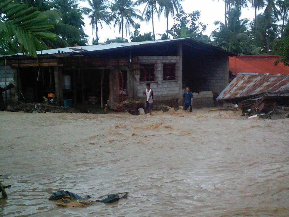 NEW YEAR. Flood greets Biliran residents on the first day of 2018. Photo by Rafael Medalla