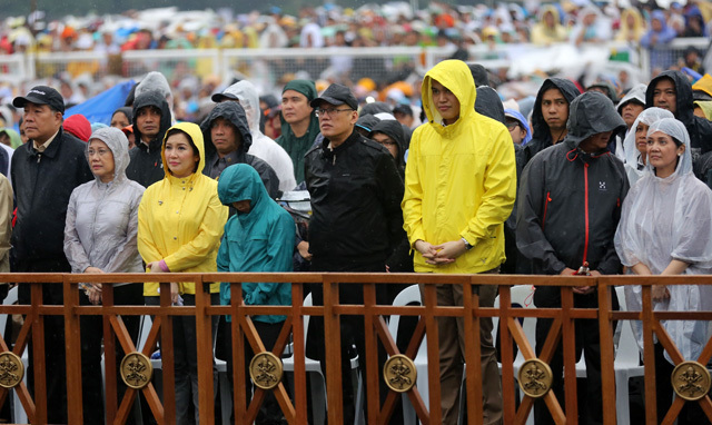 quirino grandstand ethical analysis 23 hostage taking at manila's quirino grandstand provoked attempts at  by the  media themselves, to ethical compliance and adherence to.