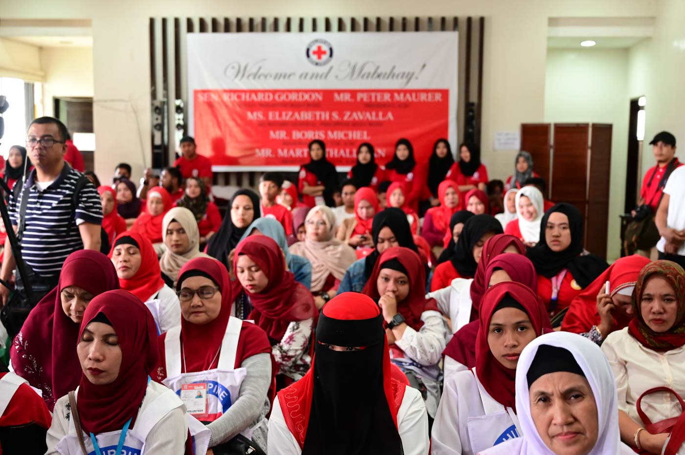 PRC AND ICRC. From day one, the ICRC has been working with the Philippine Red Cross in providing aid to people affected by the Marawi crisis. Photo by Alecs Ongcal/ICRC