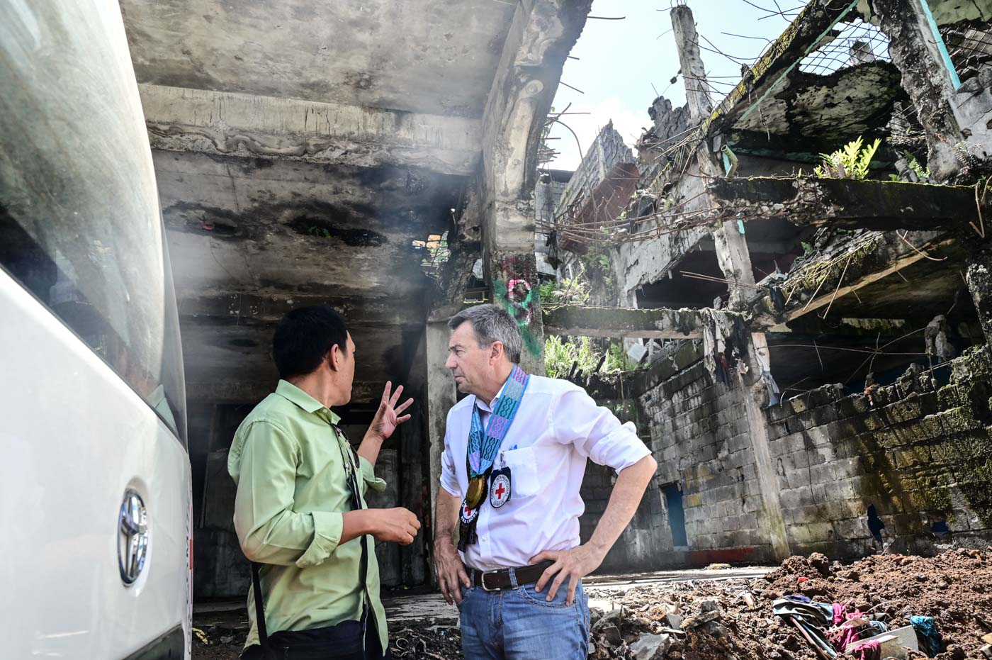 IN MARAWI. Maurer walks along the streets of the most affected area in Mawari City. Photo by Alecs Ongcal/ICRC