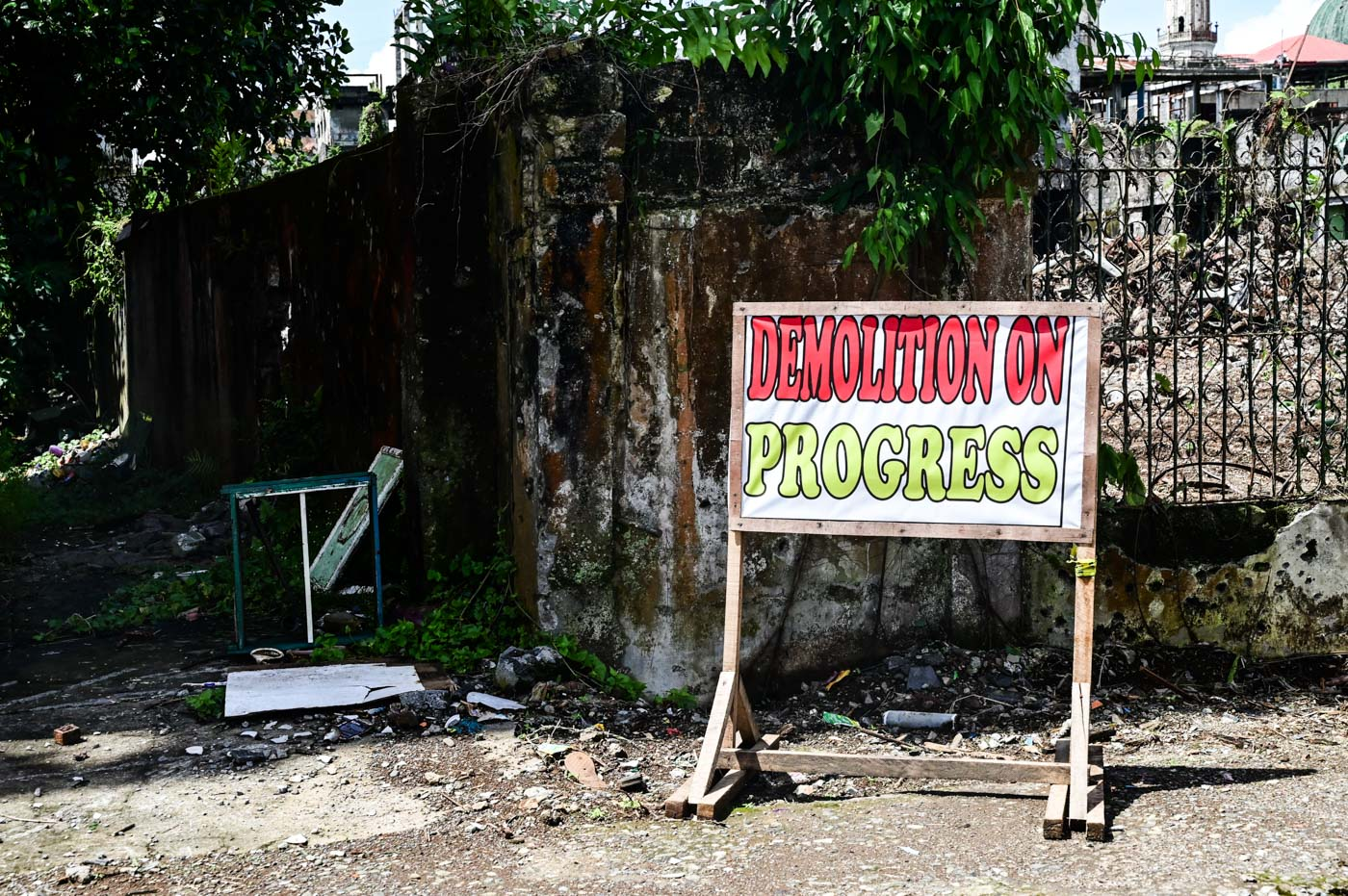DEMOLITION IN PROGRESS. Two years on, there are still close to 100,000 displaced people, unable to return to their homes. Photo by Alecs Ongcal/ICRC