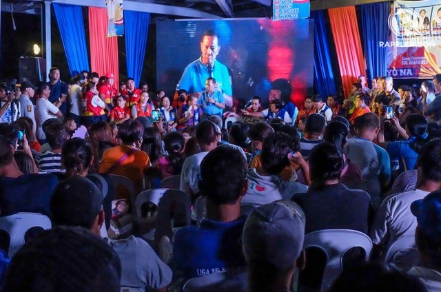 MAN OF THE HOUR. Did Binay do enough during the campaign to convince his supporters that the allegations against him are untrue? Photo by Alecs Ongcal/Rappler