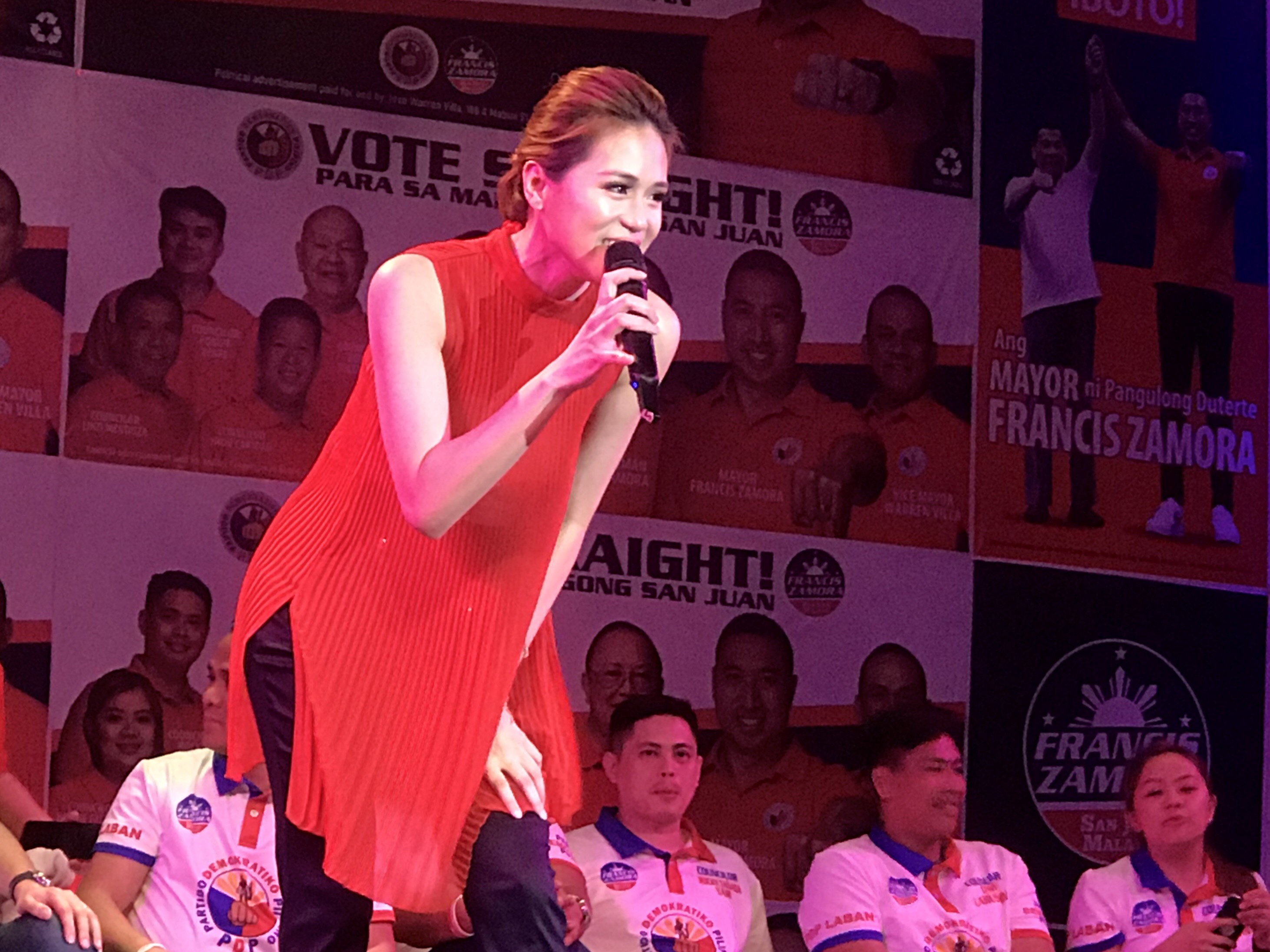 INTERMISSION. Actress and singer Toni Gonzaga stops by the PDP-Laban San Juan campaign kick-off to perform her songs 'We Belong', and 'Catch Me I'm Falling'. Photo by Rambo Talabong/Rappler
