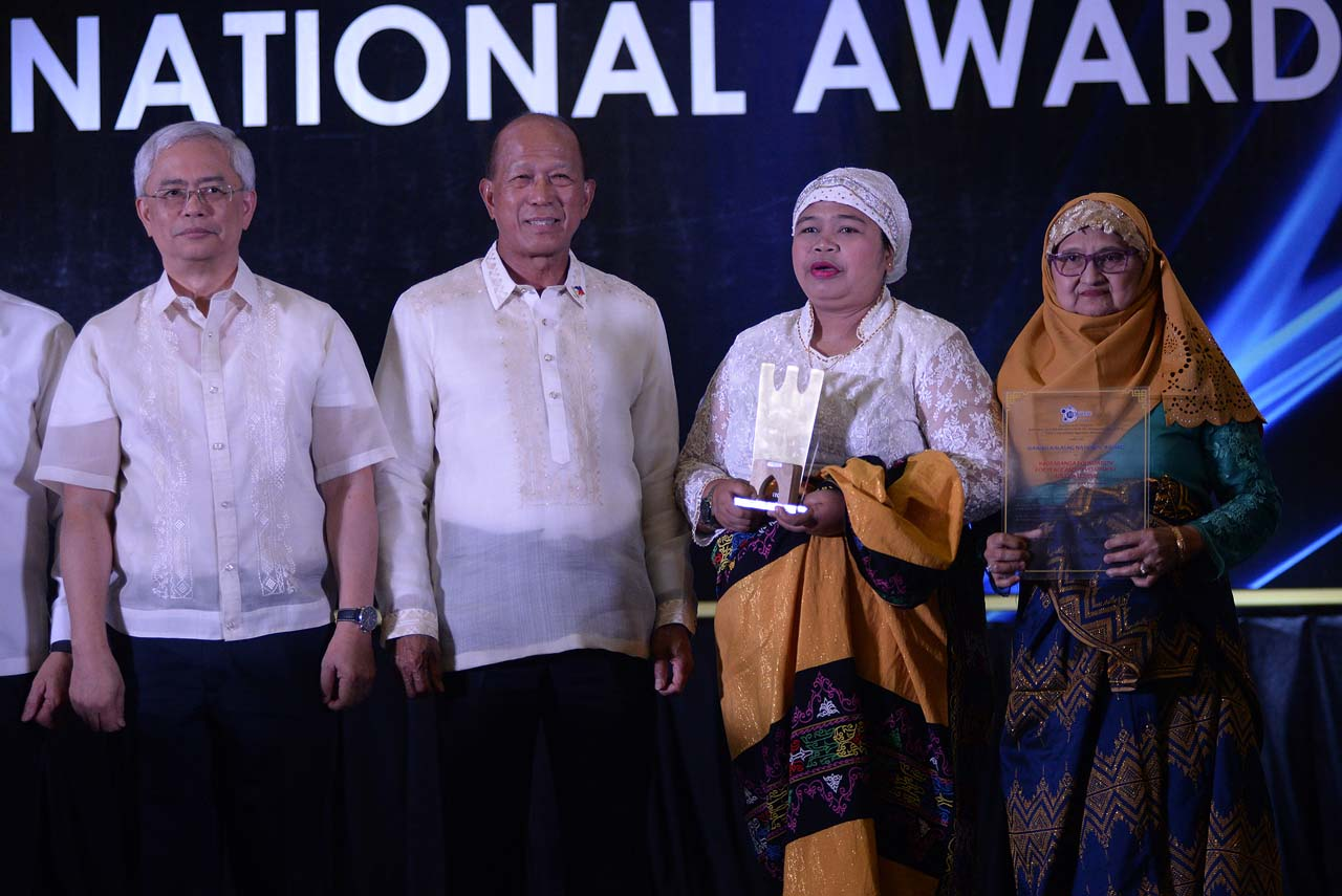 GAWAD KALASAG AWARD. Secretary of National Defense and DILG Undersecretary Austere Panadero awards local councils, organizations, and individuals for their outsanding contributions in the field of disaster risk reduction and humanitarian response. Photo by Maria Tan/Rappler
