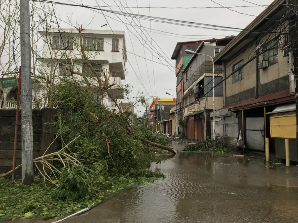 TYPHOON'S IMPACT. Tuguegarao is one of the areas that bore the brunt of Typhoon Ompong (Mangkhut) in the Philippines. Photo by Raymon Dullana/Rappler