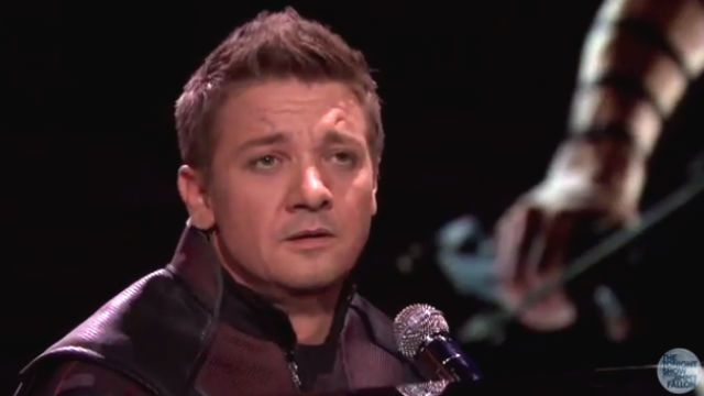 Watch Jeremy Renner si...