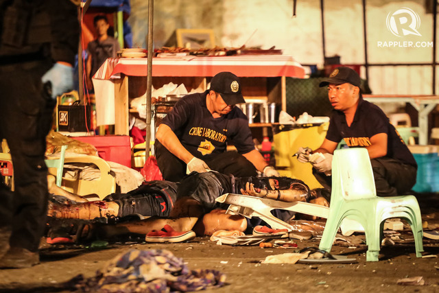 BLOODY. At least 14 people die while scores are injured after the Davao explosion. All photos by Manman Dejeto/Rappler