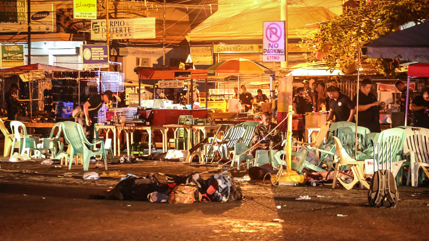 At least 14 people died while scores were injured after an explosion at the Roxas Night Market in Davao City on Sptember 2, 2016. Photo by Manman Dejeto/Rappler