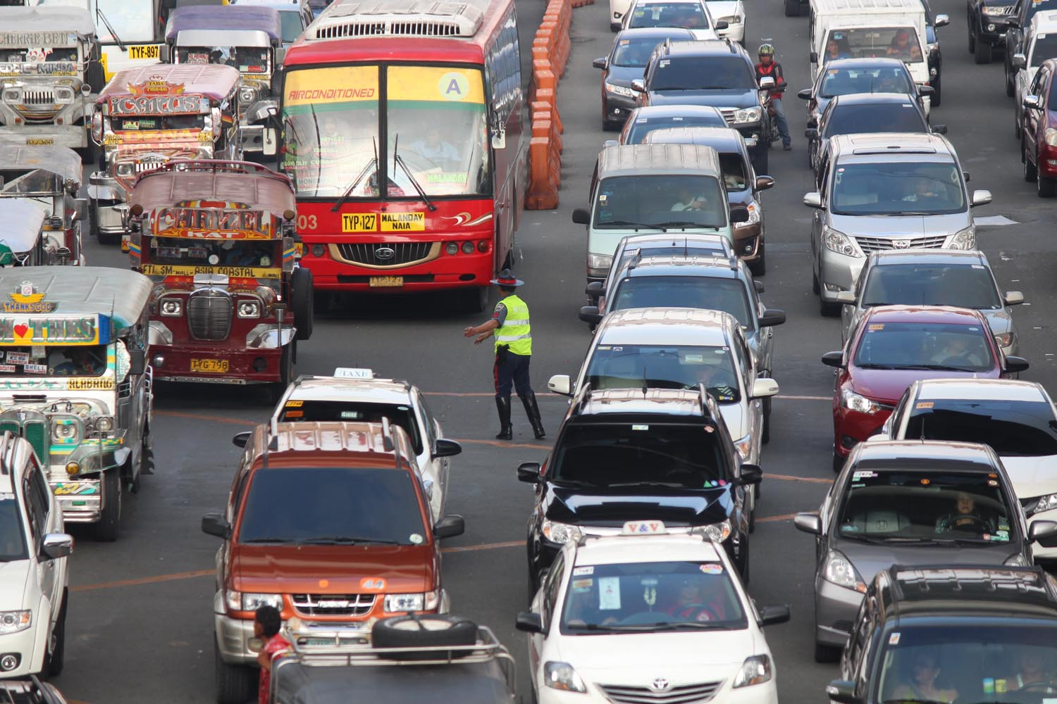 HPG. Highway Patrol Group personnel manage the traffic at Edsa corner Taft Avenue. Photo by Joel Liporada/Rappler