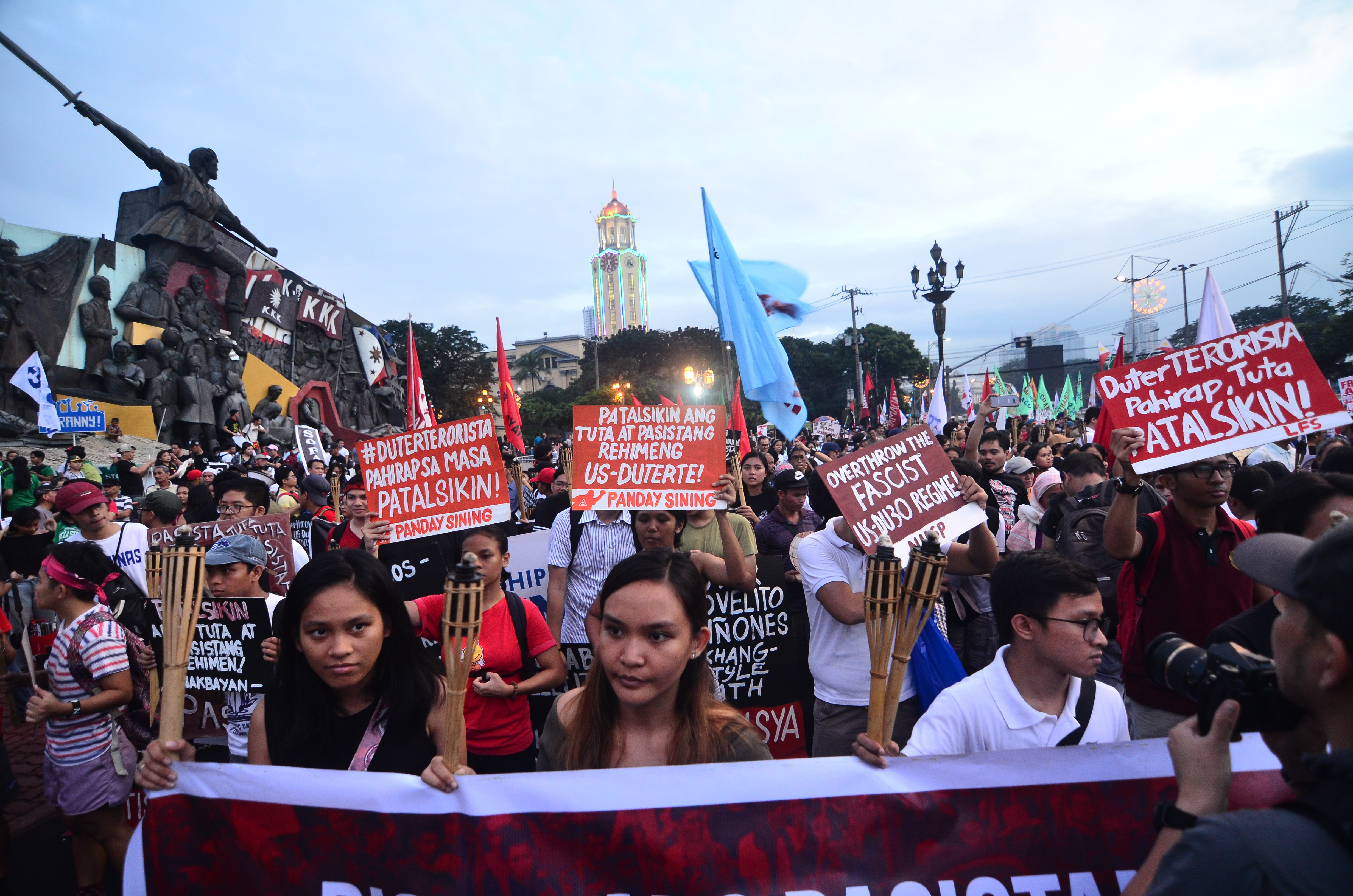 YOUTH. Groups urge Filipinos, especially the youth, to help uphold human rights amid supposed violations by the government. Photo by Maria Tan/Rappler