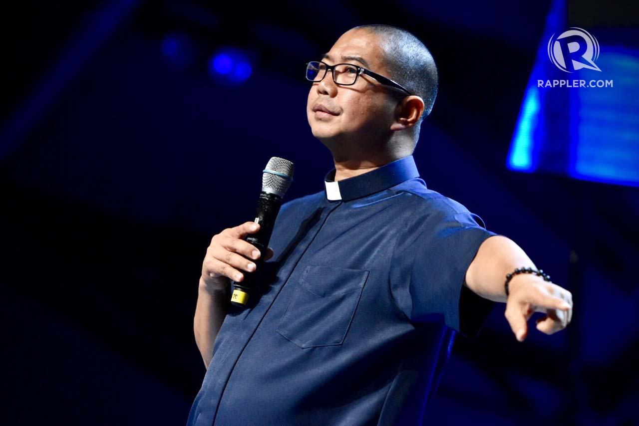 HOPE. Father Flavie Villanueva tells a story about Andre Janssen Kalinga Center during Rappler's Social Good Summit on September 16, 2017. Rappler photo