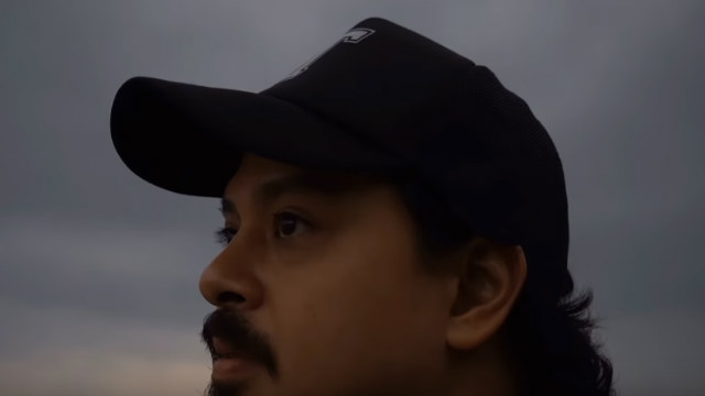 RETURN. John Lloyd Cruz makes an appearance for a shawarma commercial. Screenshot from YouTube/Turks