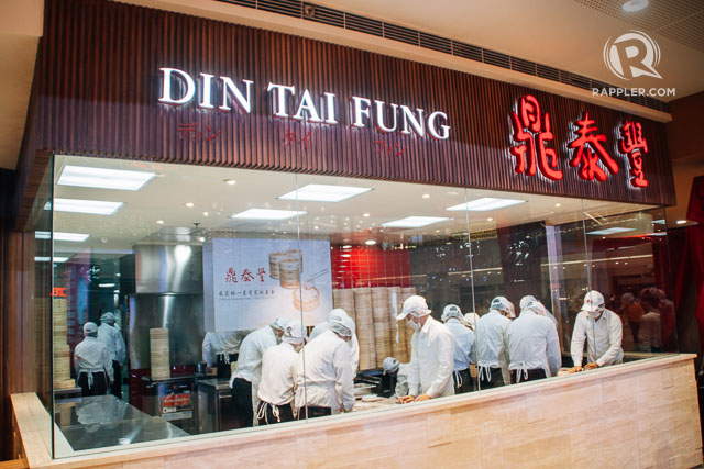 Din Tai Fung Manila (Photo courtesy of Rappler.com: http://www.rappler.com/life-and-style/best-eats/114039-din-tai-fung-manila-philippines-soup-dumplings-xiao-long-bao)