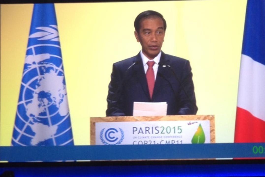 Presiden Jokowi menyampaikan pidato di COP 21, Paris, 30 November 2015. Foto oleh Hotmangaraja Panjaitan