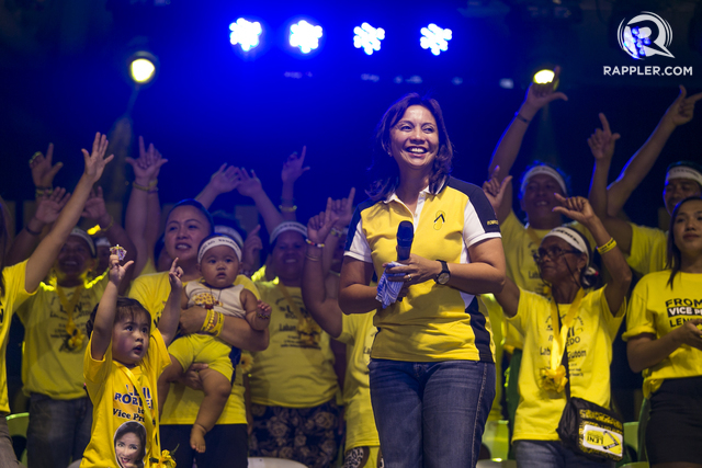 LAYLAYAN. Leni Robredo joins her supporters at her send-off at Quezon  City Circle on May 6, 2016. Around 9,000 supporters from various sectors and marginalized attended the event. Photo by Pat Nabong/Rappler