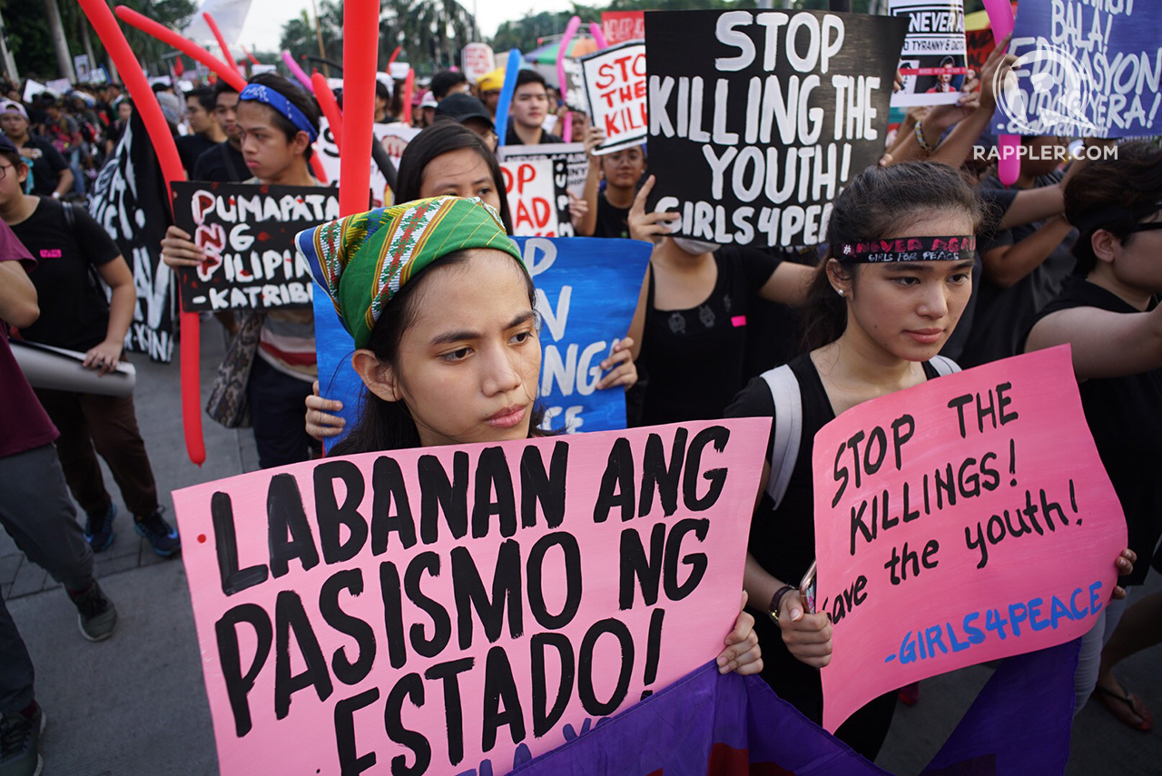 YOUTH POWER. Millennials troop to Rizal Park on September 21, 2017, to join the multi-sectoral protest marking the 45th anniversary of the declaration of Martial Law. Photo by Rappler
