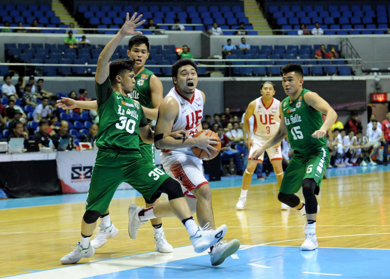 e2711160f9 Pasaol scored 49 against top defenders of the reigning champions with an  ankle injury, it