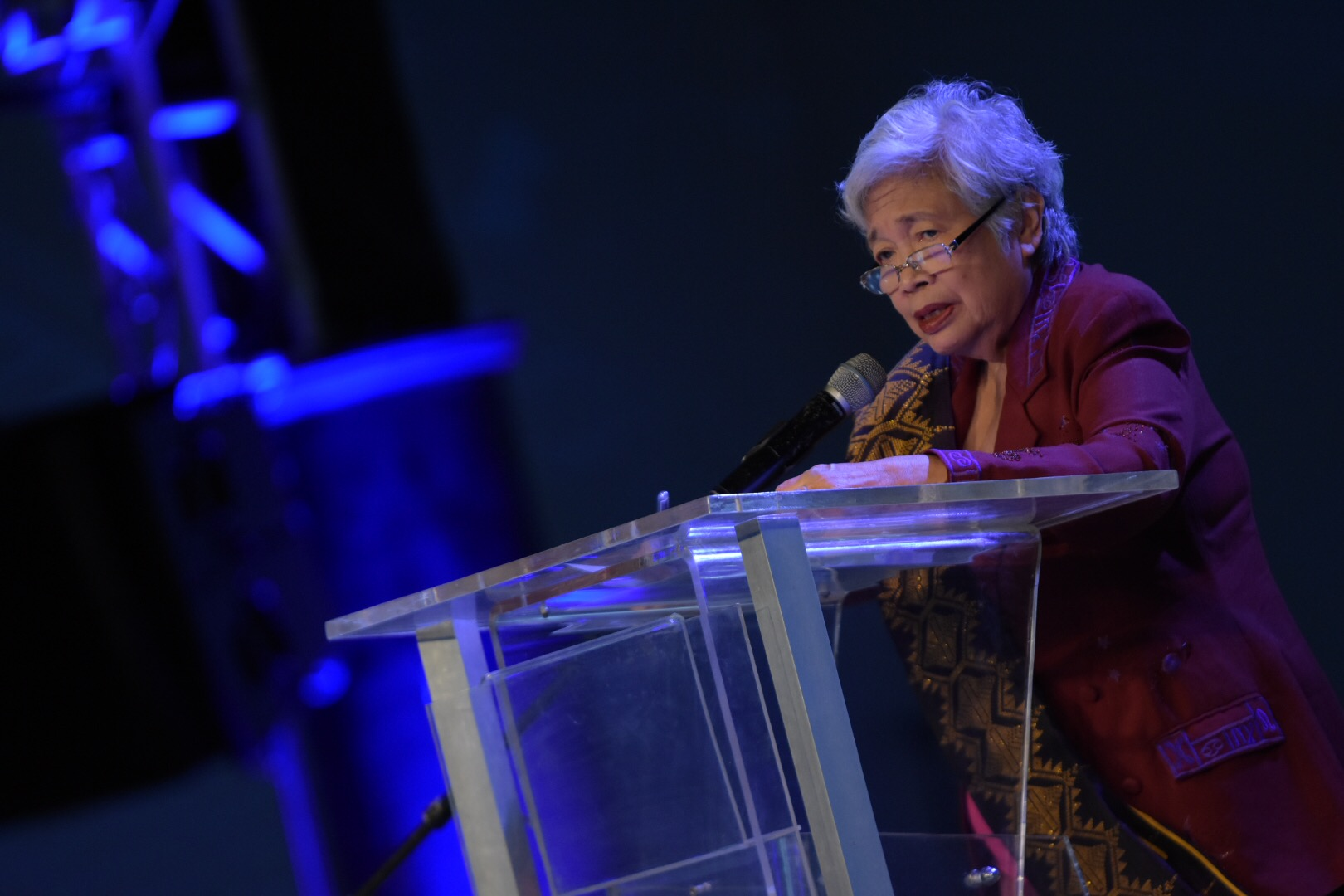 TRUTH IN TEACHING. Education Secretary Leonor Briones talks about truth-telling during Rappler's forum on Tuesday, November 28. Photo by Leanne Jazul/Rappler