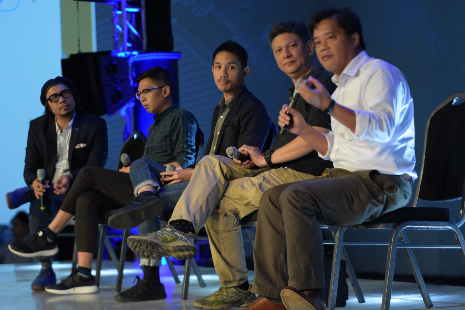 THE PANELISTS. From L to R: Lourd de Veyra, Tonyo Cruz, Leloy Claudio, Ed Lingao, and Caloy Conde during the Rappler forum on November 28. Photo by Leanne Jazul/Rappler