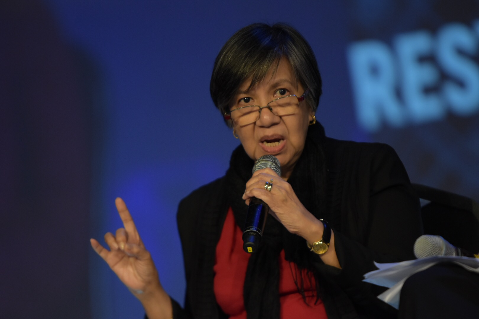 DEFENDING THE MEDIA. CMFR executive director Melinda Quintos-de Jesus discusses the effort to discredit Filipino journalists. Photo by LeAnne Jazul/Rappler