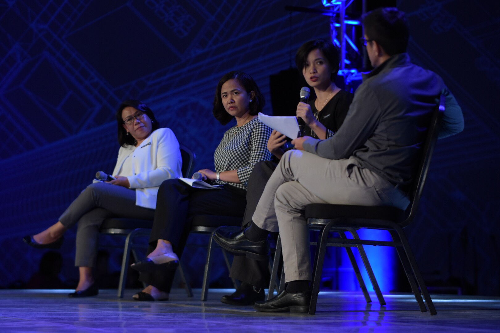 ROLE OF ACADEME. Educators discuss how the academe is combatting the proliferation of fake news. Photo by LeAnne Jazul/Rappler