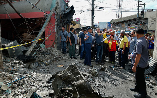aquino in zamboanga city after car bomb blast