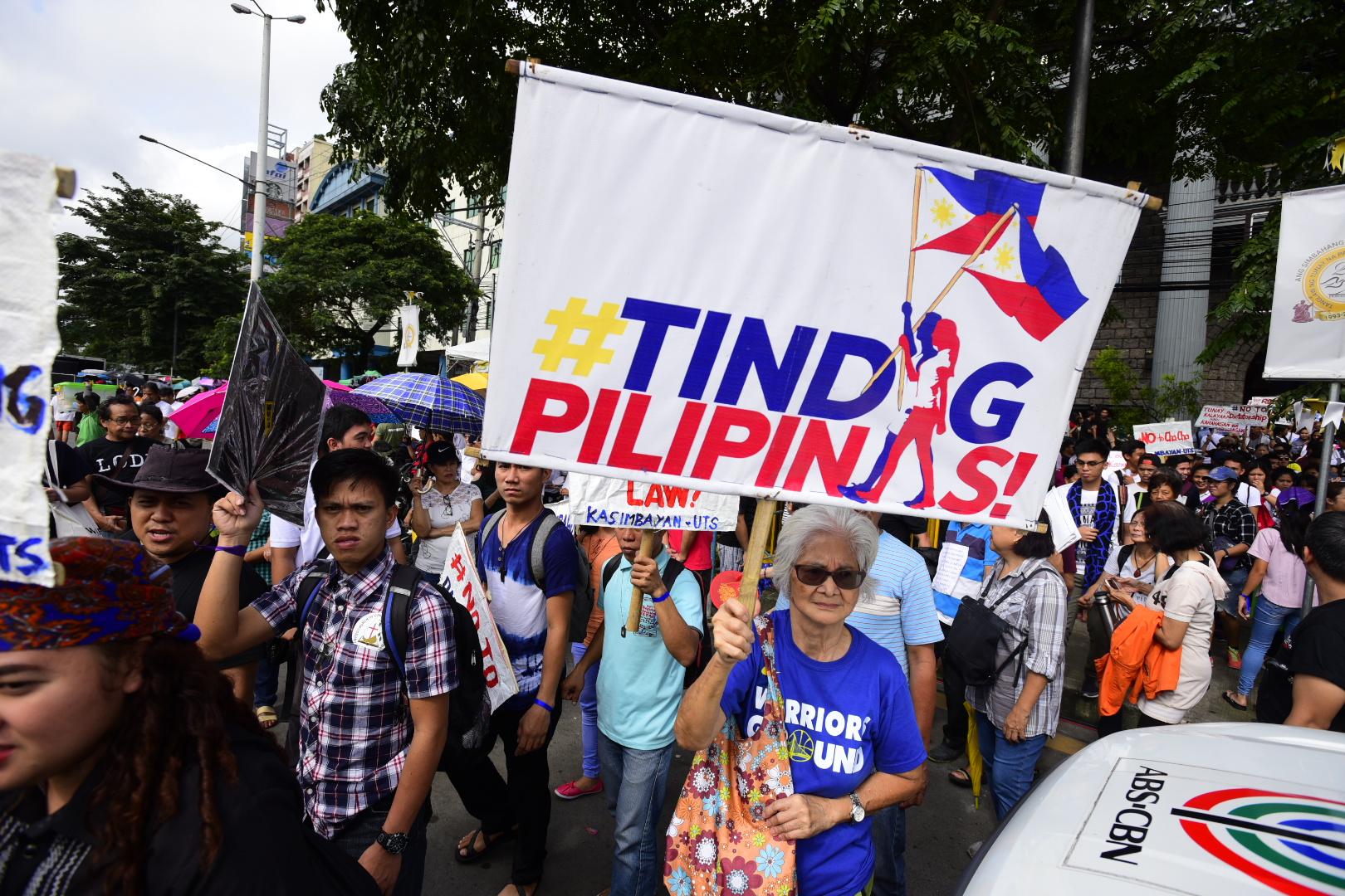 TINDIG PILIPINAS. Former social welfare secretary Corazon Soliman of Tindig Pilipinas dubs Duterte's State of the Nation Address as 'SONA de bola.' Photo by Maria Tan/Rappler