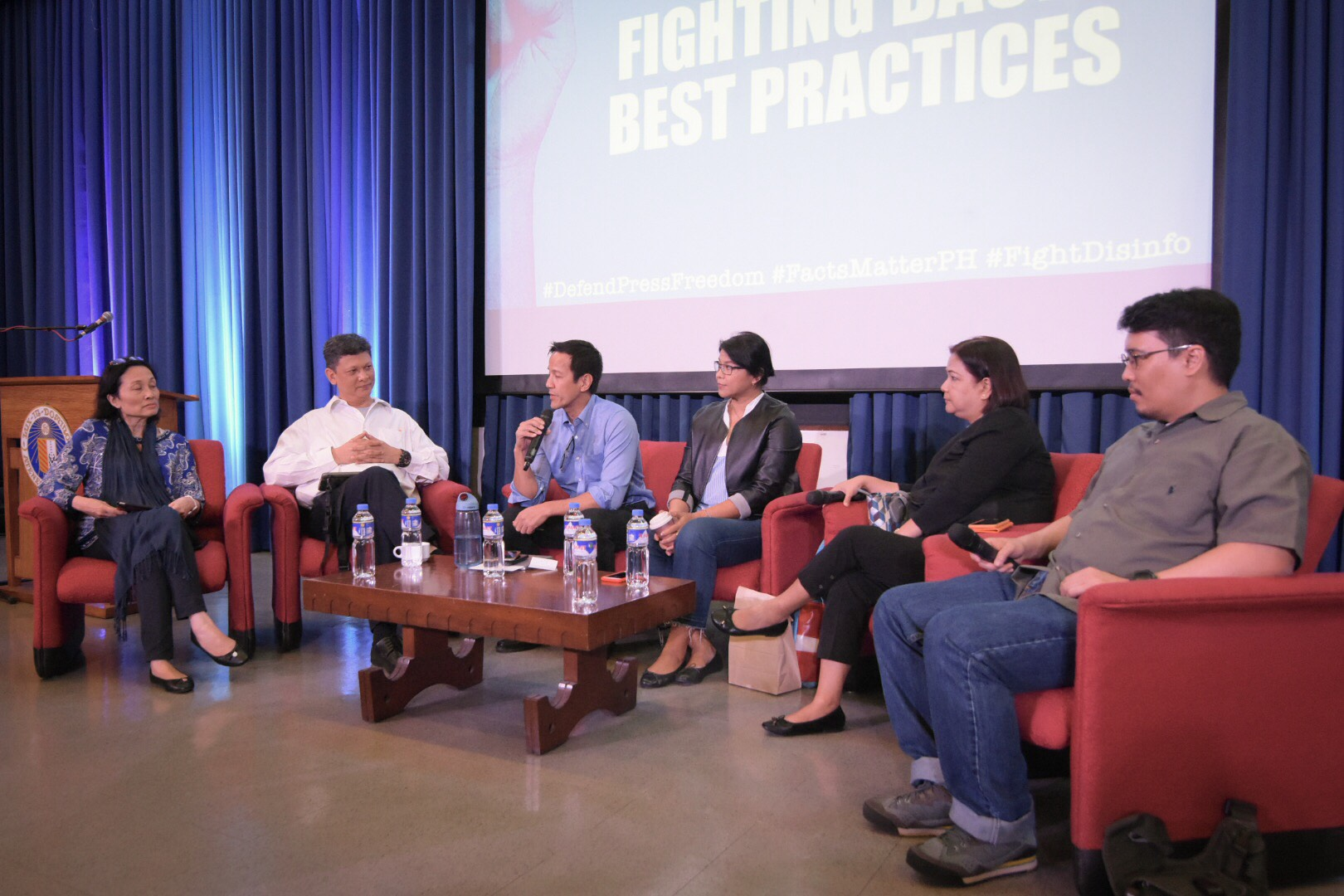 """Fighting Back: Best Practices."" Jane Uymatiao, Ed Lingao, Gang Badoy, Beng Cabangon, and Naz Nazareno with Vince Lazatin during the Democracy and Disinformation forum on February 13, 2018. Photo by LeAnne Jazul/Rappler"