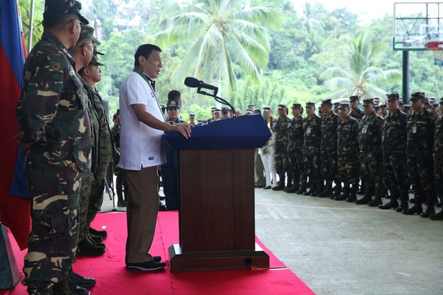 TALK TO TROOPS. President Duterte speaks to troops of the 10th Infantry Division in Mawab, Compostela Valley. Photo by Karl Norman Alonzo/PPD