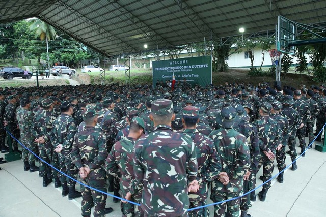 THEIR COMMANDER-IN-CHIEF. Soldiers listen to President Duterte deliver his speech on September 20, 2016. Photo by Karl Norman Alonzo/PPD
