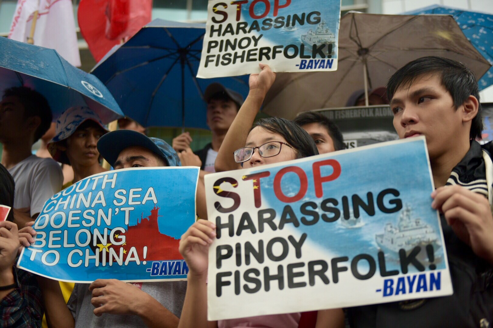 STOP HARASSMENT. Protesters call on Chinese authorities to stop harassing Filipino fishermen on Scarborough Shoal.